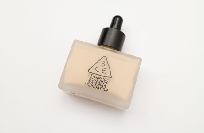 3CE Stylenanda Glossing Waterful Foundation